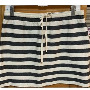 ANN TAYLOR LOFT CHARCOAL GRAY WHITE STRIPED SKIRT